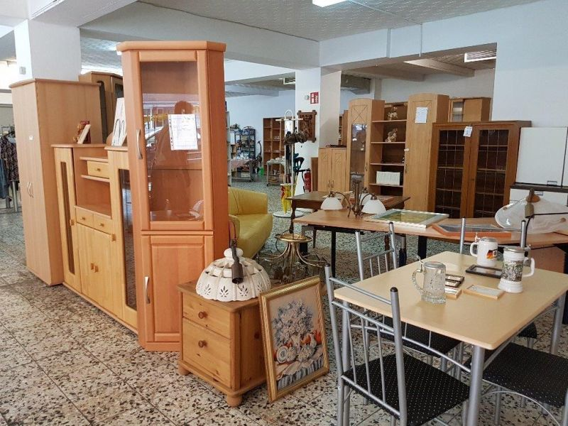 m2 secondhand m bel aus 2 hand an der hattinger str 72 74 in bochum via ruhr e v. Black Bedroom Furniture Sets. Home Design Ideas